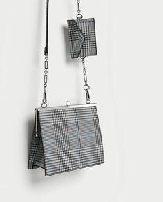 изображение 1 из СУМКА С ЗАСТЕЖКОЙ И ПРИНТОМ В КЛЕТКУ от Zara