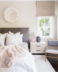 #Pinterest inspiration can only get you so far when you're still sitting on your college futon while saving up for the perfect sofa. All the waiting you'll do while designing a new space makes it easy to lose steam, and that's why we're sharing 10 tips for how to decorate like a designer on theeverygirl.com today (link in profile)    photo via @beckiowens