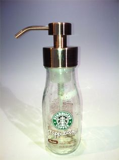 I got fed up with the soap pump built into our sink and looked for alternatives. Re-use those glass bottles and mason jars as soap pumps! Snapple Bottle Crafts, Starbucks Glass Bottle Crafts, Starbucks Crafts, Starbucks Bottles, Starbucks Store, Starbucks Coffee, Bottles And Jars, Glass Jars, Empty Bottles