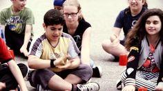 """Superbe vidéo avec une chanson accrocheuse! """"Main dans la main contre l'intimidation"""" à l'école primaire Katimavik-Hébert."""