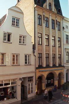 """Lübeck - Jugendstilfassade - Fleischhauer Str. 78 - """"Sternschnuppe"""""""