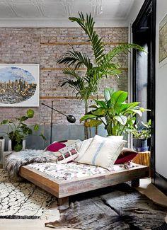 Jardim urbano. Veja mais: http://www.casadevalentina.com.br/blog/detalhes/jardim-urbano-3169 #decor #decoracao #interior #design #casa #home #house #idea #ideia #detalhes #details #style #estilo #casadevalentina #livingroom #saladeestar