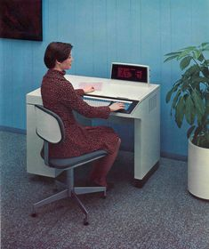 """This red Burroughs """"SELF-SCAN"""" display is a display"""" (today, we would call it instead). Kids Computer, Computer Humor, Best Computer, Computer Repair, Computer Technology, Gaming Computer, Old Computers, Desktop Computers, Apple Computers"""