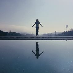 Fantastic iPhone Photos of People Floating in Mid-Air - My Modern Metropolis
