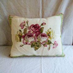 Cuscino roseto fiorito