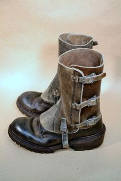 """Vintage Leather Military SPATS Wow take a look at these vintage leather spats(gaiters) that we have in our store """"Military vintage surplus leather. Cuir Vintage, Vintage Leather, Leather Men, Leather Boots, Botas Hippy, Men's Shoes, Shoe Boots, Estilo Cool, Mode Steampunk"""