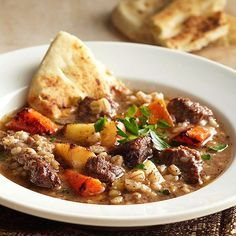 Delicious Thanksgiving Holiday Soups Beef and Barley Stew with Roasted Winter Vegetables Beef Recipes, Soup Recipes, Cooking Recipes, Thanksgiving Soups, Roasted Winter Vegetables, Root Vegetables, Soup Appetizers, Comida Latina, Soup And Sandwich