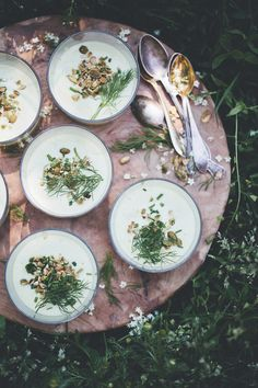 (vía Green Kitchen Stories» Cold Avocado Soup ebook Giveaway)