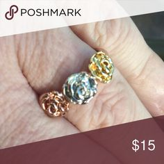Tricolor flower ring!  Adorable. Sz 7 Roxi Jewelry Rings