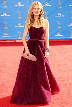 Kyra Sedgwick wowed in a Monique Lhuillier dress and Ofira jewels at the 2010 Emmys.
