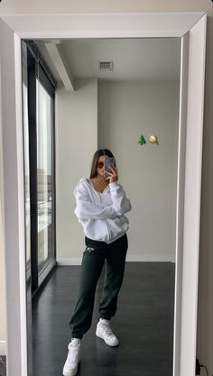 Tomboy Fashion, Teen Fashion Outfits, Look Fashion, Girl Outfits, Vest Outfits, Swaggy Outfits, Cute Casual Outfits, Stylish Outfits, Looks Street Style