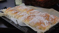 Salty Foods, Daily Bread, Bread Baking, Baguette, Bon Appetit, Hot Dog Buns, Crackers, Salad Recipes, Recipies