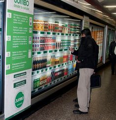 In Chile, JCDecaux and the supermarket Jumbo conducted a QR code campaign in Santiago metro.