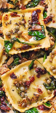 Italian Ravioli with Spinach, Artichokes, Capers, Sun-Dried Tomatoes. Meatless, refreshing, Mediterranean style pasta recipe. #ravioli #pasta