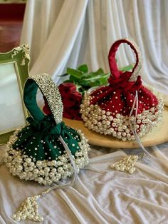 Hand Embroidery Designs, Beaded Embroidery, Bridal Clutch, Wedding Clutch, Potli Bags, Beaded Bags, Dress Sewing Patterns, Handmade Bags, Purses And Bags
