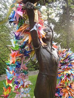 Sadako and the Thousand Paper Cranes in Hiroshima, Japan. This is our cry, This is our prayer; peace in the world. Hiroshima E Nagasaki, Hiroshima Bombing, 1000 Paper Cranes, 1000 Cranes, Japanese Culture, Japanese Art, Remembrance Day, Nihon, Japan Travel