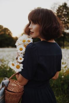 It's not a season now, it's a huge life between us … – girl photoshoot ideas Photography Poses Women, Girl Photography, Fashion Photography, Flower Girl Photos, Poses Photo, Aesthetic Photo, Beautiful People, Short Hair Styles, Models