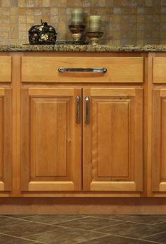 Maple Kitchen Cabinets - Park Avenue Style Maple Wood Cabinets