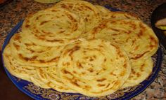 Cuisine Marocaine _ Mlaoui Serve warm with honey and Icing sugar. via Sandra Angelozzi Brunch, English Food, Arabic Food, Bread Rolls, Catering, Appetizers, Snacks, Dishes, Cooking