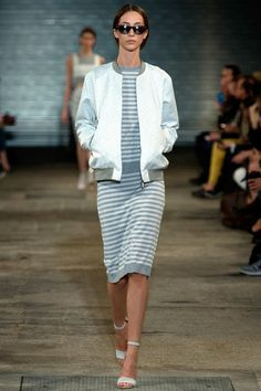 Richard Nicoll Spring 2014 RTW - Runway Photos - Fashion Week - Runway, Fashion Shows and Collections - Vogue Cozy Fashion, Timeless Fashion, Daily Fashion, Fashion Show, Autumn Fashion, Runway Fashion, High Fashion Dresses, Fashion Outfits, Vogue