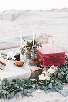 Beach picnic Beach Bonfire, Beach Picnic, Beach Party, Romantic Picnics, Romantic Dinners, Beach Proposal, Proposal Ideas, Beach Engagement, Engagement Photos