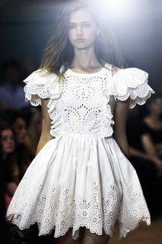 Style, Inspiration, Looks of the day, Fashion week, OOTD. Fashion Details, Look Fashion, Runway Fashion, Womens Fashion, Fashion Design, Child Fashion, Mode Boho, Eyelet Dress, Eyelet Lace