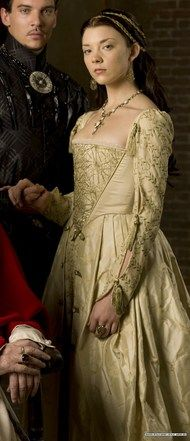 Anne Boleyn beige gown---from the series the tudors! what a beautiful actress!