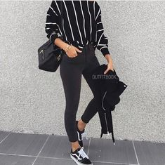 How to style vans sneakers – Just Trendy Girls school hijab How to style vans sneakers Mode Outfits, Trendy Outfits, Fashion Outfits, Dress Fashion, Vans Fashion, Cute Fashion, Look Fashion, Fashion Black, Spring Outfits