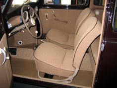 Discover the 1951 VW Beetle split window model and specifications. Vw Beetle For Sale, Vw Super Beetle, Vw Bus, Vw Beetle Parts, Volkswagen Interior, Bordeaux, Vw Engine, Beetle Convertible, Mens Toys