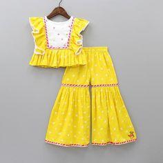 Girls Frock Design, Baby Dress Design, Kids Frocks Design, Baby Frocks Designs, Stylish Dresses For Girls, Kids Outfits Girls, Little Girl Dresses, Baby Dresses, Kids Dress Wear