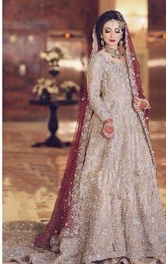 Weeding Indou The Effective Pictures We Offer You About Bridal Outfit ideas A quality picture can tell you many things. You can find the most beautiful pictures that can be presented to you about Brid Bridal Mehndi Dresses, Asian Bridal Dresses, Walima Dress, Asian Wedding Dress, Shadi Dresses, Pretty Wedding Dresses, Pakistani Wedding Outfits, Bridal Dress Design, Wedding Dresses For Girls