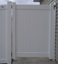 Freedom White Vinyl Privacy Fence Panel Common 6 Ft X 6