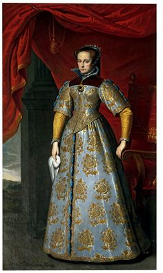 Full-length portrait of Queen Mary I of England, standing, wearing a wide hood with a high rising open collar showing an inner frill and a white and gold brocaded gown with a tight-fitting bodice and wide sleeves. Inscribed lower left La Reÿna dinglatiera Maria