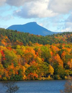 Camel's Hump as seen from Hinesburg, Vermont. Photographed by Paul Moody New Hampshire, Vida Natural, New England States, Autumn Scenes, Seen, Green Mountain, Fall Pictures, Auckland, Rhode Island