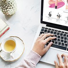 Home Based Business vs Online Business Way To Make Money, Make Money Online, How To Make, Influencer Marketing, Bio Do Instagram, Thing 1, Online Security, Professional Logo Design, Selling On Ebay
