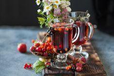 Recept na pečený čaj 5x jinak: Vyzkoušejte pečený čaj bez cukru nebo pečený čaj z jablek Christmas Articles, Eat Dessert First, Food And Drink, Nebo, Sweets, Vegan, Table Decorations, Cooking, Tableware