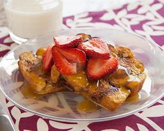 This would make the perfect breakfast in bed for Mom!  Cinnamon Roll French Toast