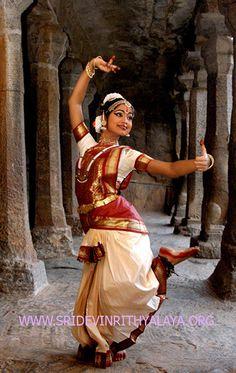 bharatanatyam dancer classical indian dance traditional1 by Bharatanatyam dance in Chennai via Flickr