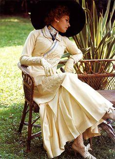 Italian actress Silvana Mangano as the mother in Death in Venice Xavier Dolan, My Fair Lady, New Fashion, Fashion Models, Vintage Fashion, Titanic, Retro Wedding Dresses, Edwardian Gowns, Luchino Visconti