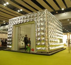 metallic inflatable cube structure