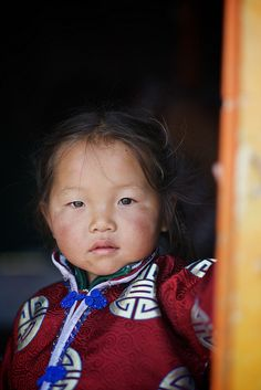 "allasianflavours: "" Mongolian child, Gobi desert, Mongolia by Alex_Saurel """