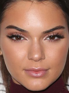 Close-up of Kendall Jenner at a 2015 screening of 'Paper Towns'. http://beautyeditor.ca/2015/07/25/best-celebrity-beauty-looks-ashley-benson