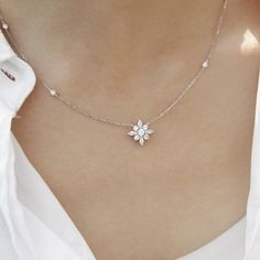 Browse vintage-style jewellery by CARAT* London designed in the UK today. Gold Jewelry Simple, Stylish Jewelry, Simple Necklace, Cute Jewelry, Fashion Jewelry, White Gold Jewelry, Pretty Necklaces, Bridal Necklace, Wedding Jewelry