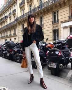 These are the 10 pieces you'll find in every French girl's winter wardrobe. Shop the items here to tap into Parisian style. Fashion Mode, Fashion Week, Look Fashion, Womens Fashion, Fashion Trends, Fashion 2017, French Women Fashion, Fall Fashion, Jeans Fashion