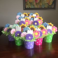 Floral cookie bouquet decorated Mother's Day cookies by Charlotte Gushue of Cookie Starts with C Mother's Day Cookies, Summer Cookies, Baby Cookies, Cut Out Cookies, Iced Cookies, Cute Cookies, Easter Cookies, Royal Icing Cookies, Birthday Cookies