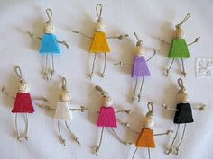 Best 10 happy girls…swaps No directions that I could find- looks like thin jute arms and legs, small wooden bead, and two pieces of felt for the body. Hat Crafts, Diy And Crafts, Crafts For Kids, Arts And Crafts, Wooden Crafts, Girl Scout Swap, Daisy Girl Scouts, American Heritage Girls, Girl Scout Crafts