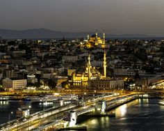 Istanbul at night by Luis Borges Alves, via 500px