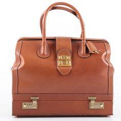 258207b8194 Vintage Gucci Leather Doctor s Bag