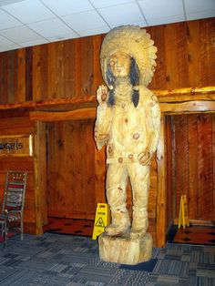 Knuckleheads Native American Statue. Wisconsin Dells, Chainsaw Carvings, Statues, Nativity, Native American, Lion Sculpture, Painting, Art, Art Background