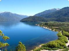 Parco Nazionale Lago Puelo imponente scenario naturale che conserva la flora valdiviana.